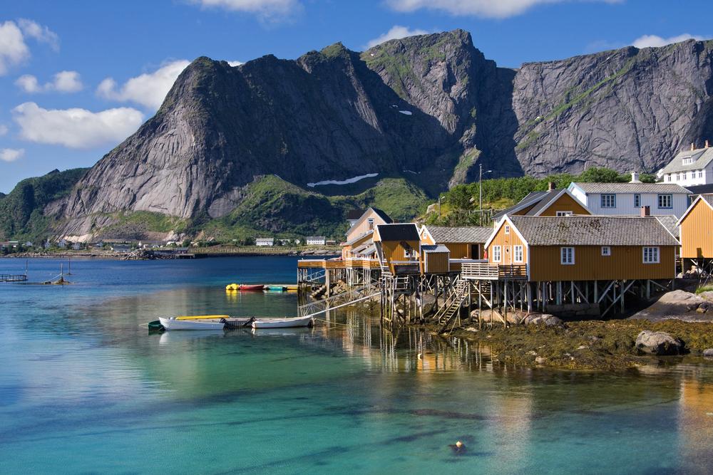Cabine de pescador em Lofoten (onde fiquei), Noruega - Crédito foto: Alexander Erdbeer - shutterstock.com