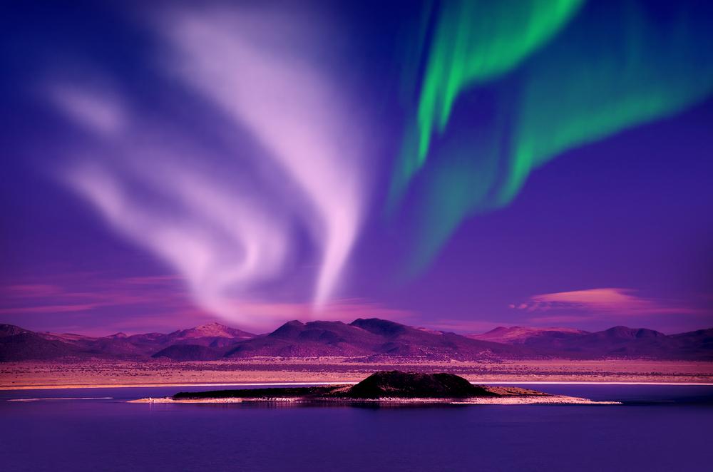 Aurora Boreal em Tromsø, norte da Noruega - Crédito foto: SurangaSL - shutterstock.com