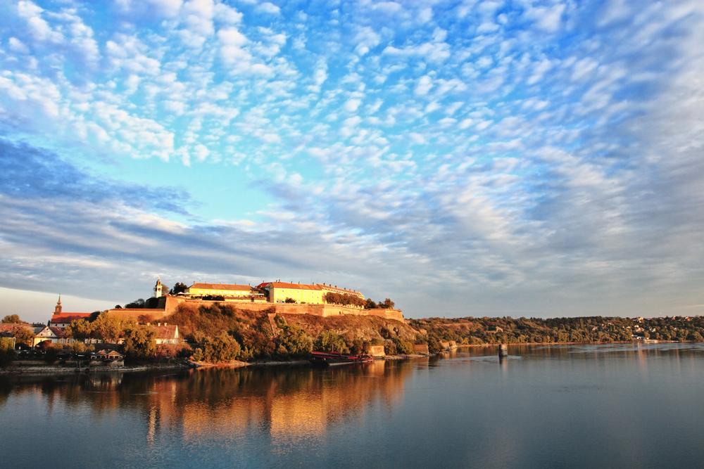 Petrovaradin Fortress -Foto: Nikola Spasenoski - shutterstock.com