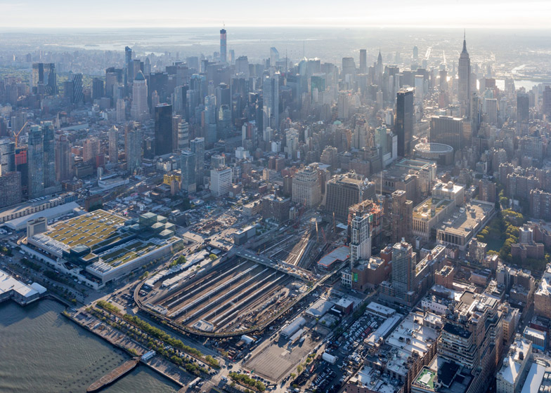 The-High-Line-at-the-Rail-Yards_dezeen_784_01
