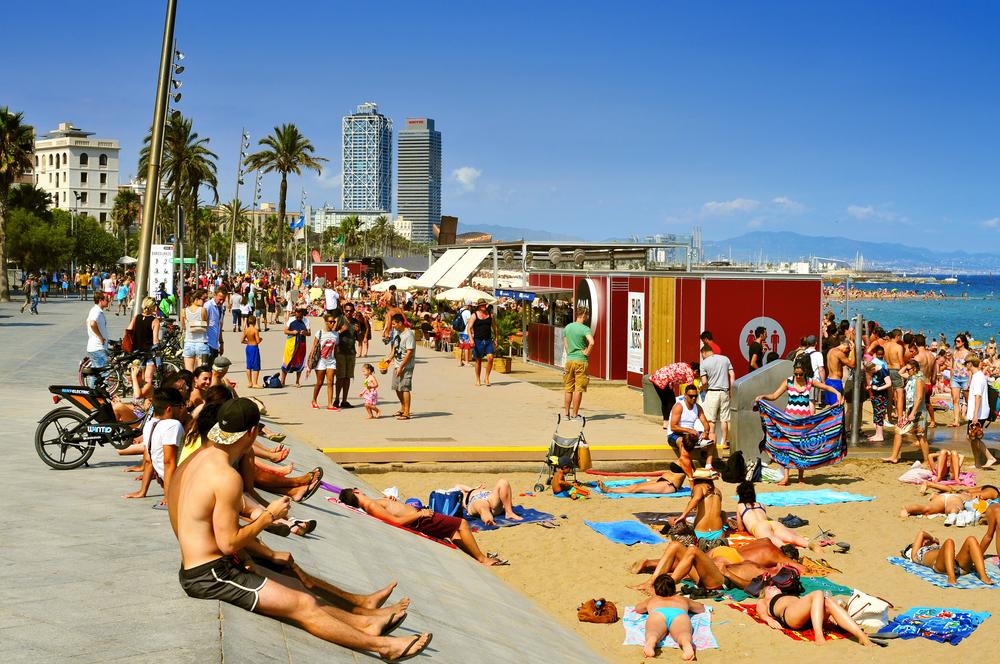 Barceloneta por nito - shutterstock.com
