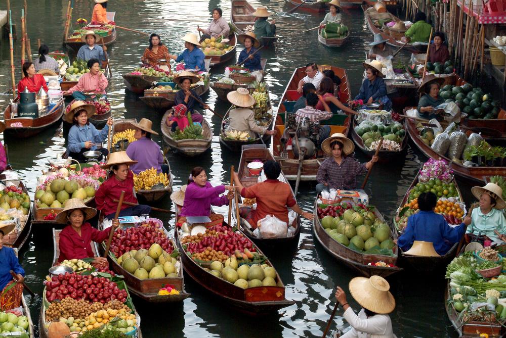 Floating Market Damnoen Saduak - foto: topten22photo - shutterstock.com