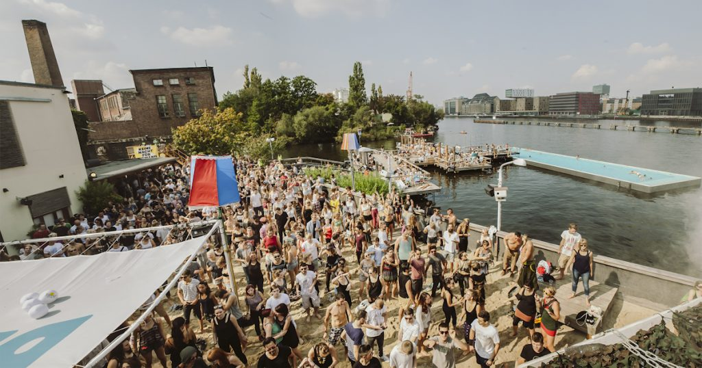 Berlin Festival - Badeschiff Credito: Robert Winter