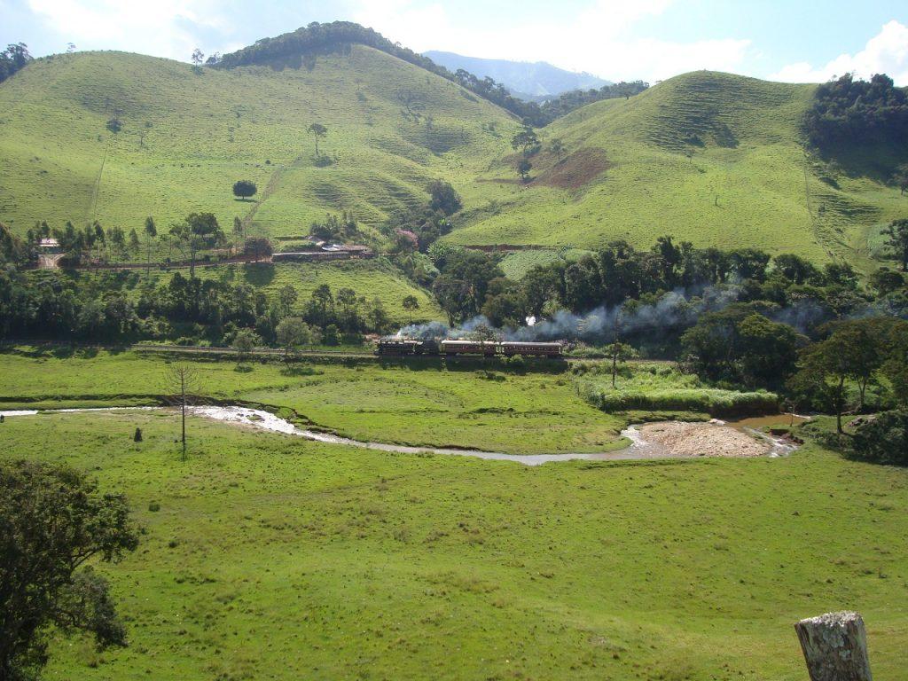 Subindo a Serra da Mantiqueira - Reprodução http://abpfsuldeminas.com/
