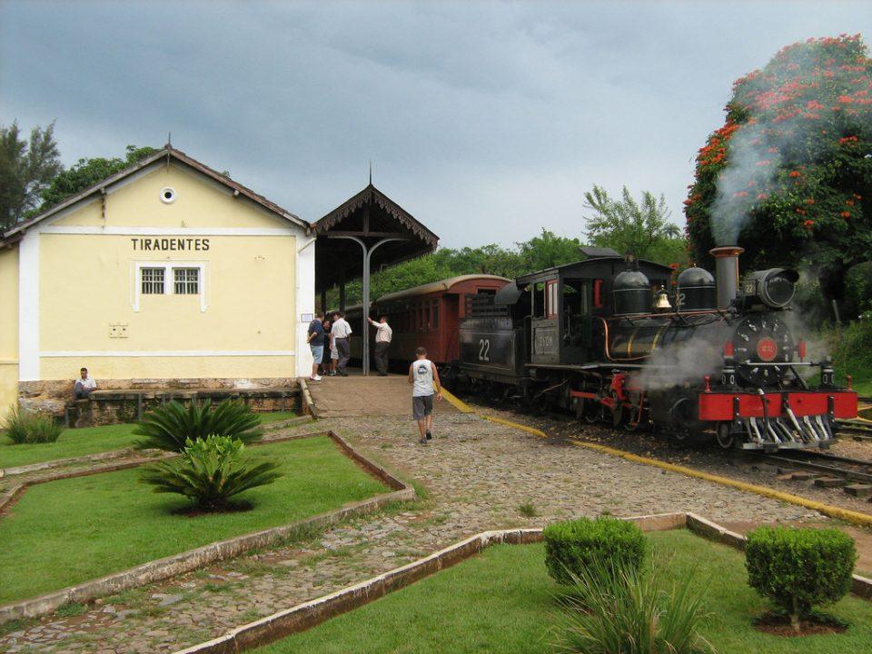 Trem na estação de Tiradentes - Foto de Eduardo Habkost