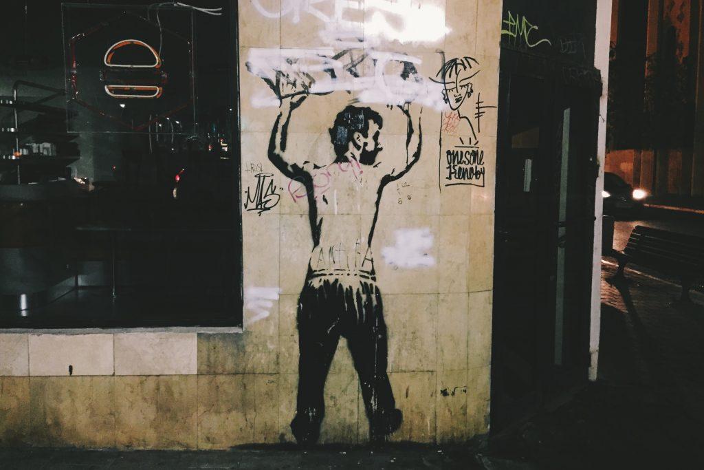 E como todo bom bairro hipster, Florentin também tem bastante street art