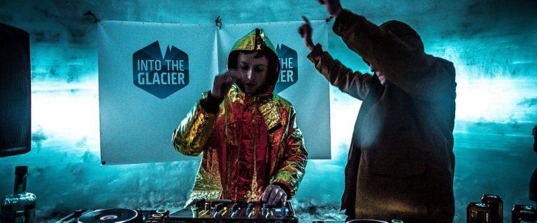 Secret Solstice. Show dentro de uma caverna de gelo. Foto: Divulgação