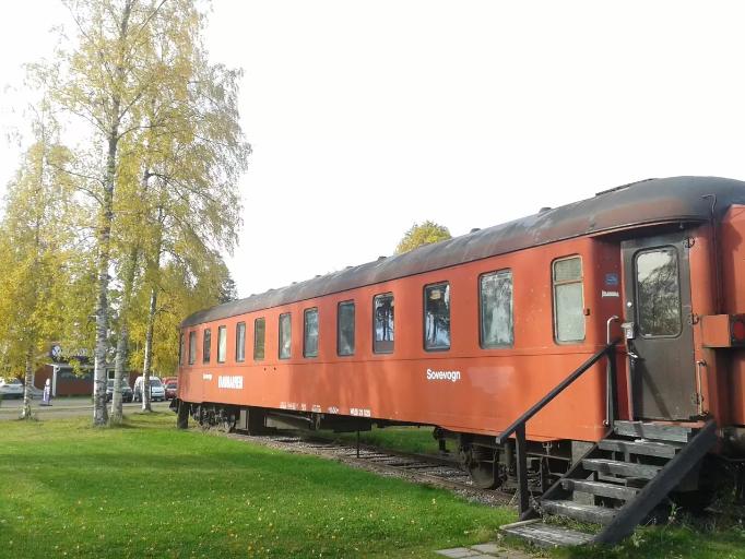 Dá até para se hospedar num vagão de trem em Rattvik
