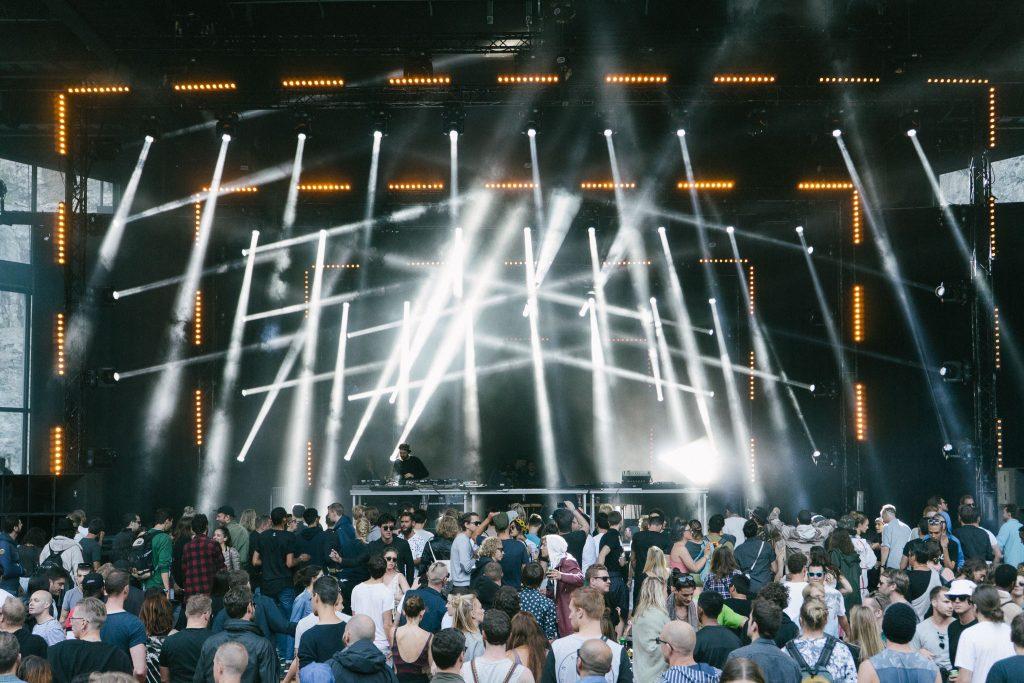O palco principal: Theater