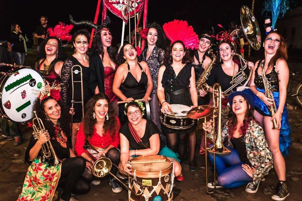 A fanfarra Damas de Ferro. Reprodução: www.facebook.com/damasdeferroband