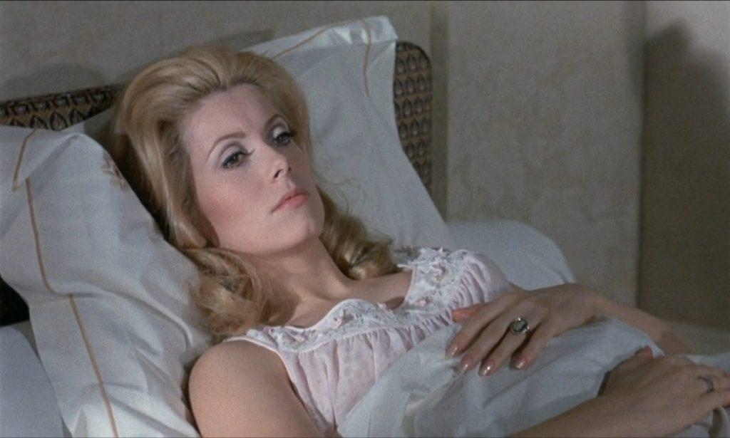 Catherine Deneuve em 'A bela da tarde', que tem sessão sábado