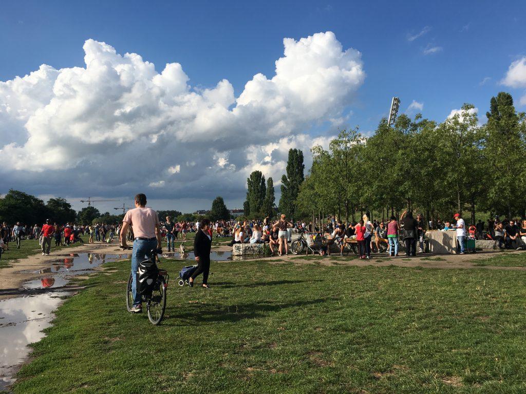 Mauerpark no domingo. Foto: Lalai Persson