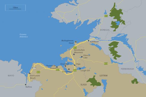 A baía de Donegal, formada pelos counties Sligo e Leitrim, em destaque, e county Donegal.
