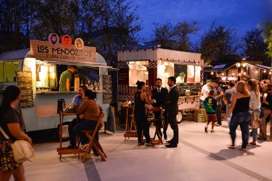 Mais uma edição do Food Truck Festival rola no Village Mall . Foto: João Mattos / Brazil Photo Press