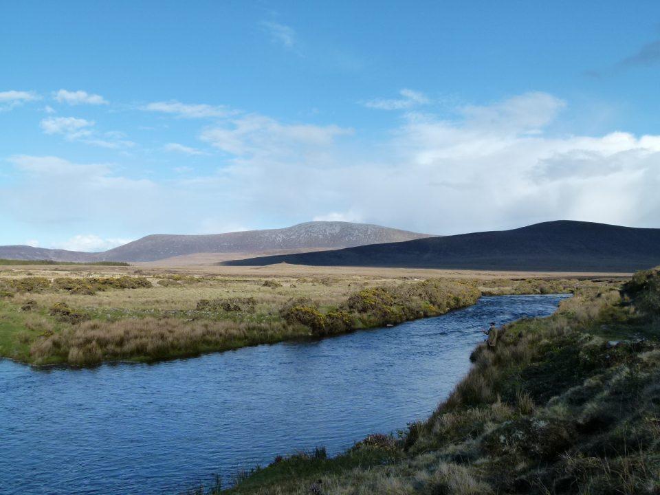 Owernduff river, no Ballycroy National Park, um dos poucos ecossistemas da Europa Ocidental que permanecem intocáveis. County Mayo, Irlanda. Foto: Henry Hiscox