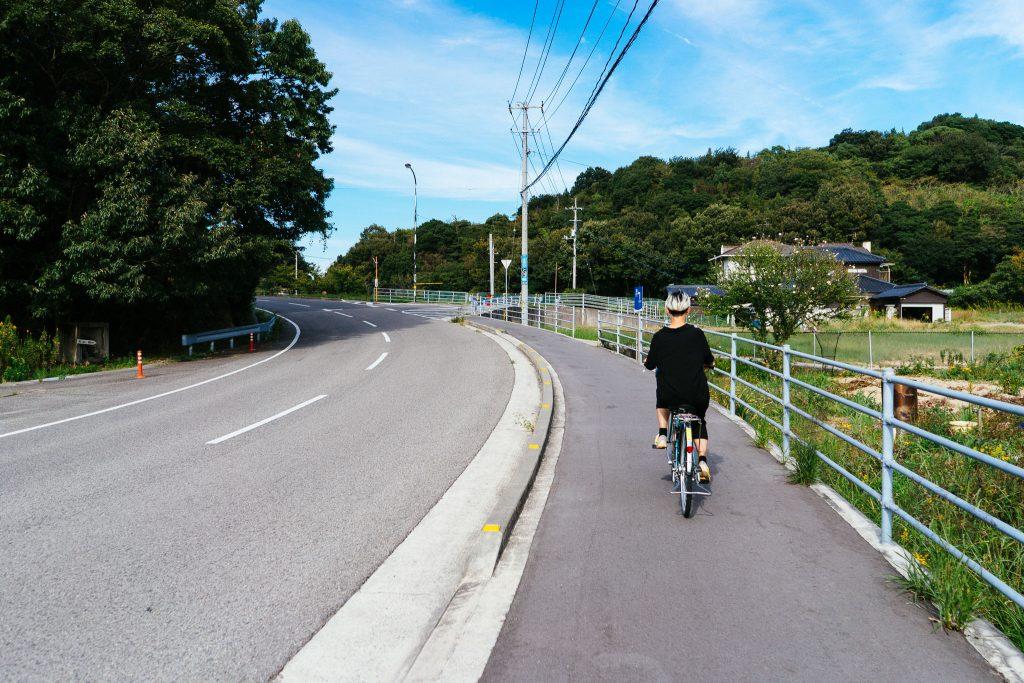 Eu na minha super bike elétrica em Naoshima. Foto: Ola Persson