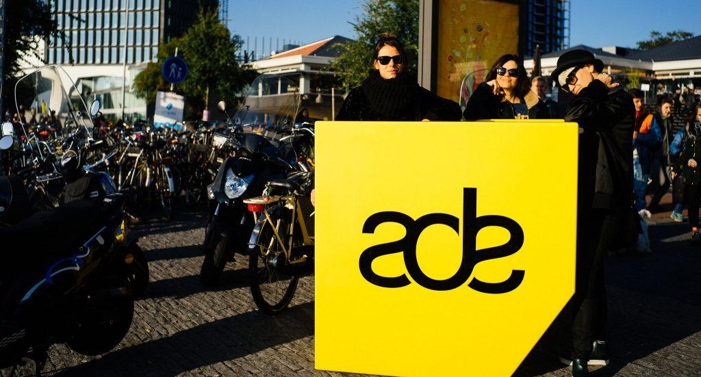 A trupe do ADE. Foto: Ola Persson