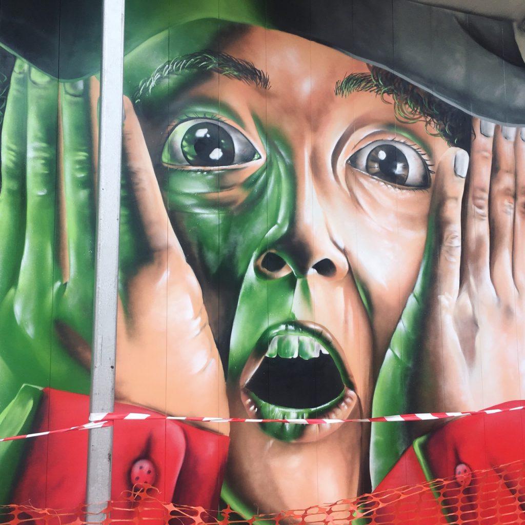 Grafite que vi na caminhada para o Singapore Art Museum. Foto: Lalai Persson