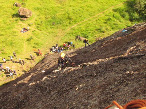 Escalada na Pedra da Maria Antonia – foto: Luiz Gustavo Miguez