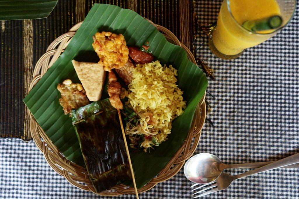 Almoço típico balinês