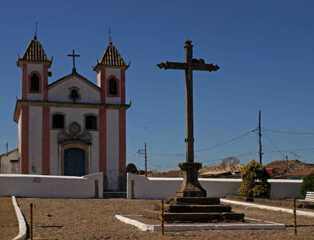 Igreja N. Senhora dos Prazeres no centro de Lavras Novas – Foto: