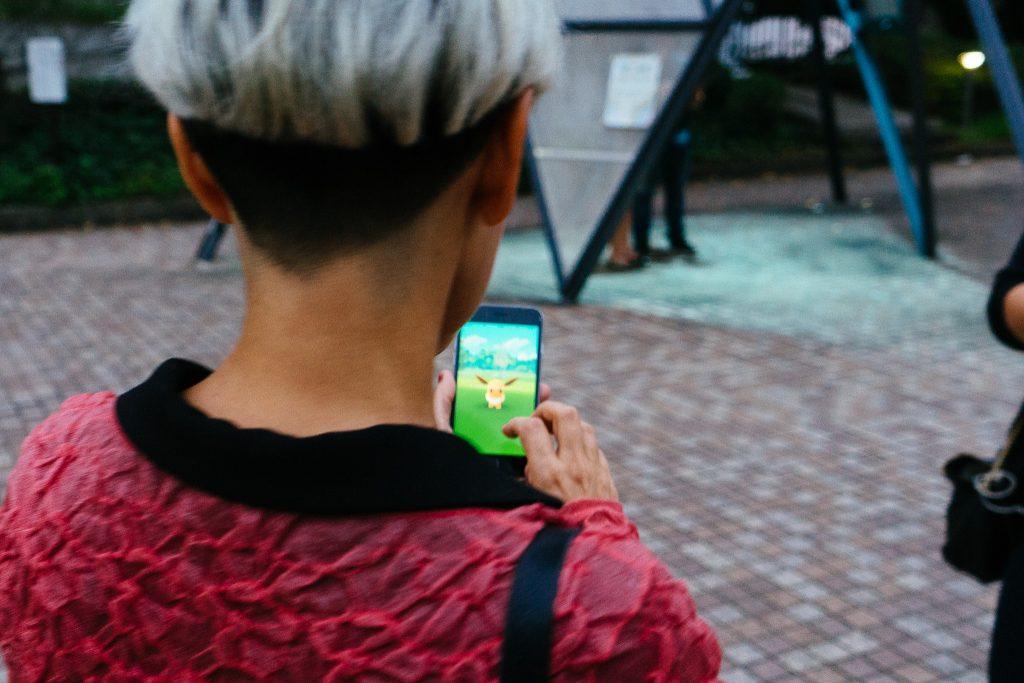 lalai jogando pokemon_foto ola persson