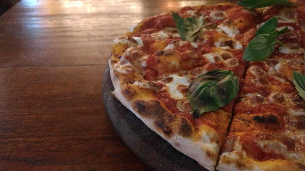 Pizza Marguerita do By Hand. Foto: Daniella Valentin