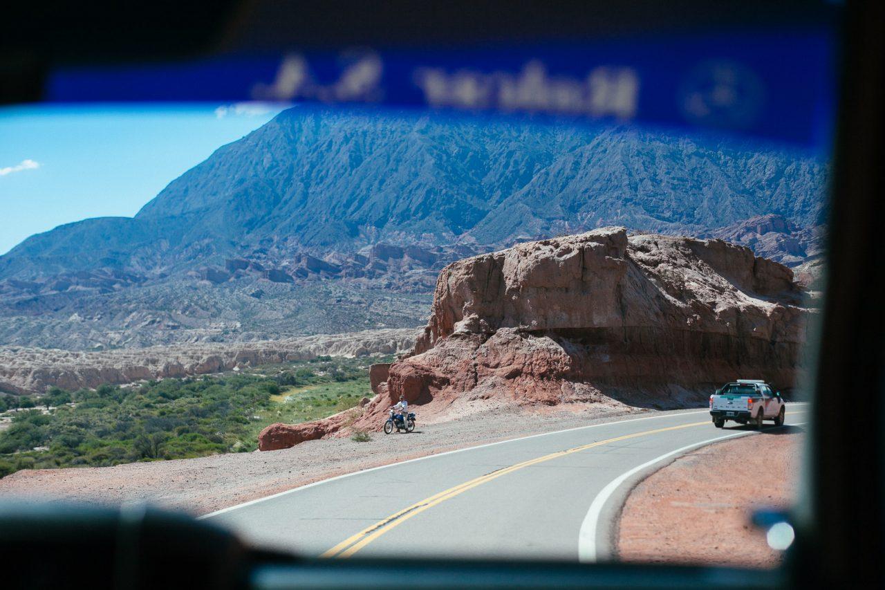 Estrada na quebrada de las conchas, Argentina