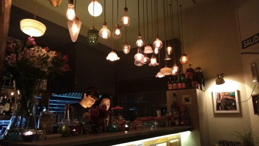 Um dos nossos bares preferidos, o Candy Bar, é um desses lugares que não aceita cartão. Foto: Dani Valentin
