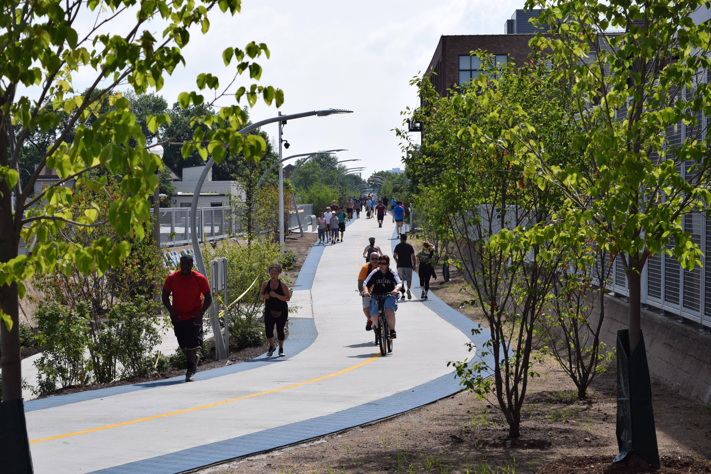 O 606 é o Highline de Chicago, mas com menos turistas e mais espaço para se exercitar.