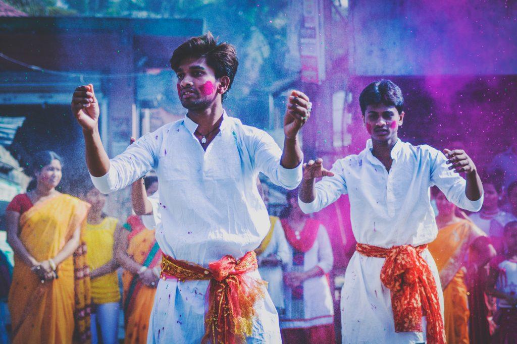 Guia eventos março: Holi Festival por Debashis Biswas - Unsplash