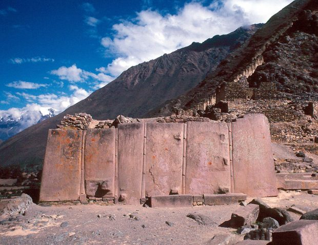 O famoso monolito de Ollantaytambo