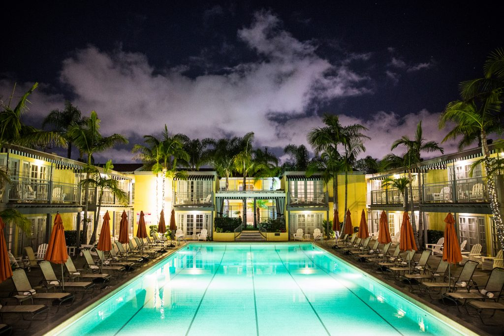 A famosa piscina do Lafayette Hotel, em San Diego