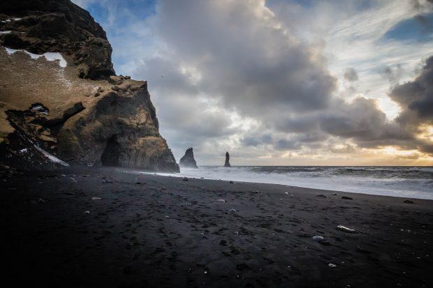 Praia na Islândia