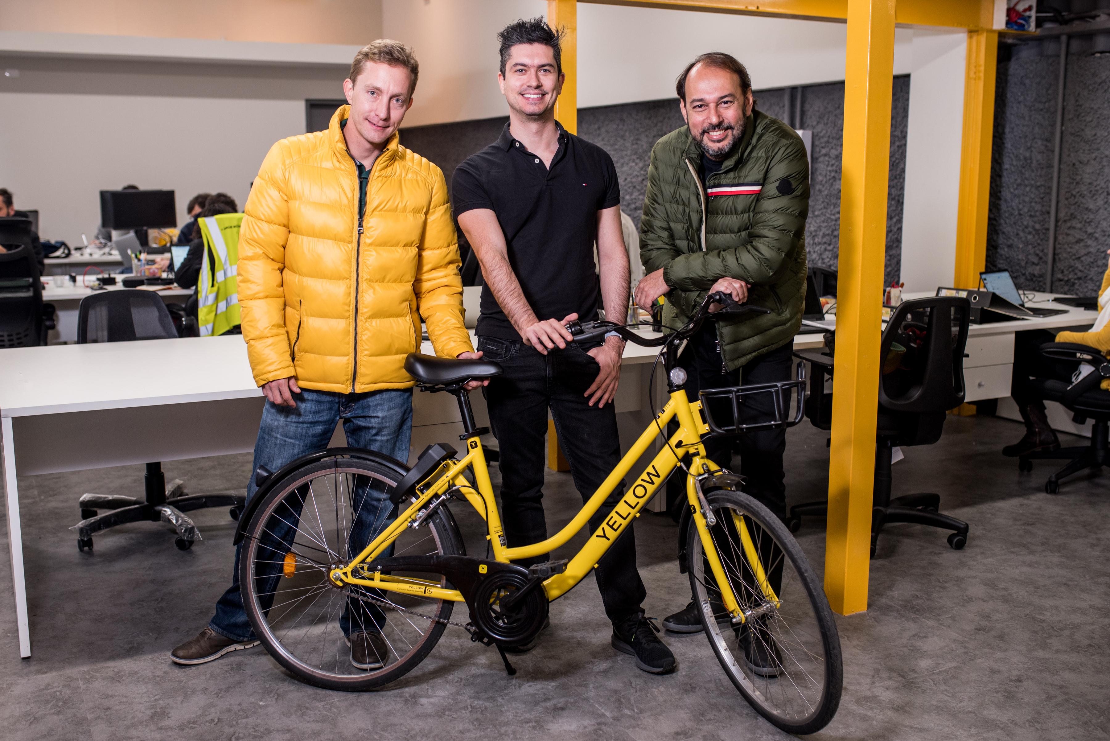 yellow bike, bike sharing, bicicleta compartilhada