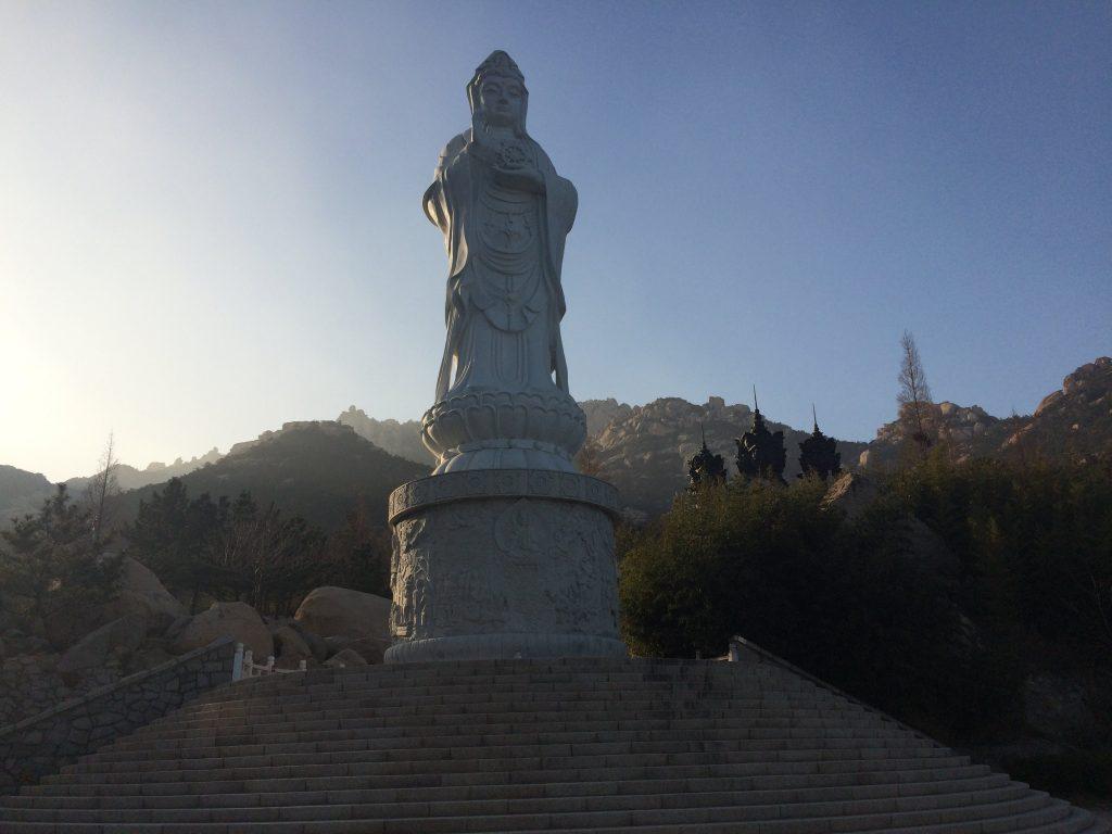 A estátua de Kuan Yin em dezembro de 2017