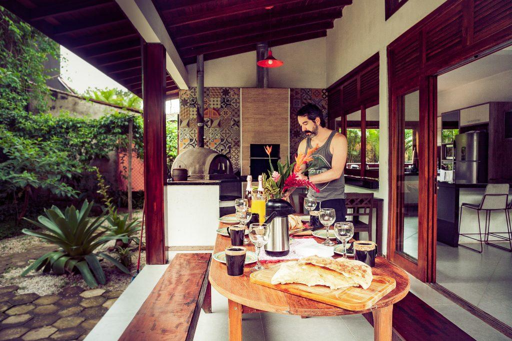 Nosso café da manhã na varanda - Itamambuca/Ubatuba - airbnb. Foto: Ola Persson