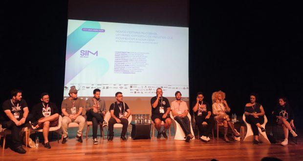Mesa sobre festivais brasileiros com menos de 10 anos, uma das maiores da SIM São Paulo.