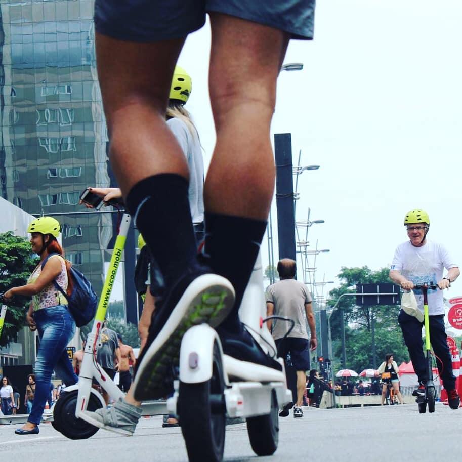 Como alugar patinetes elétricos compartilhados no Rio e em São Paulo